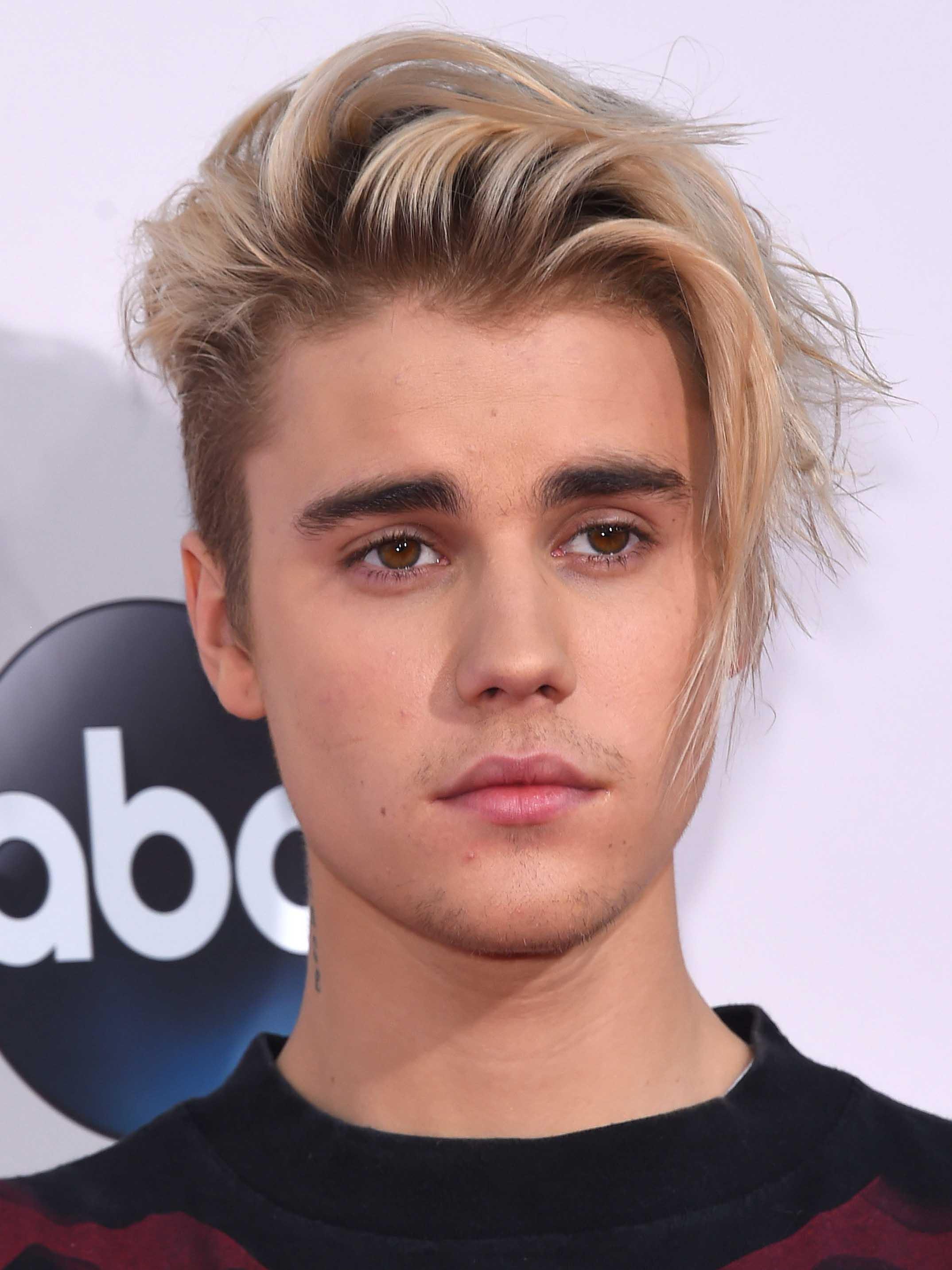 Latura lui Justin Bieber a măcinat vopseaua