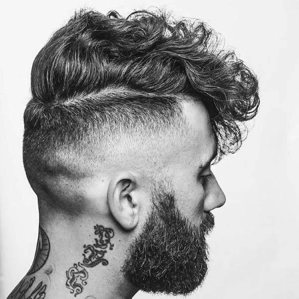 Stiluri de păr pentru bărbătei cret